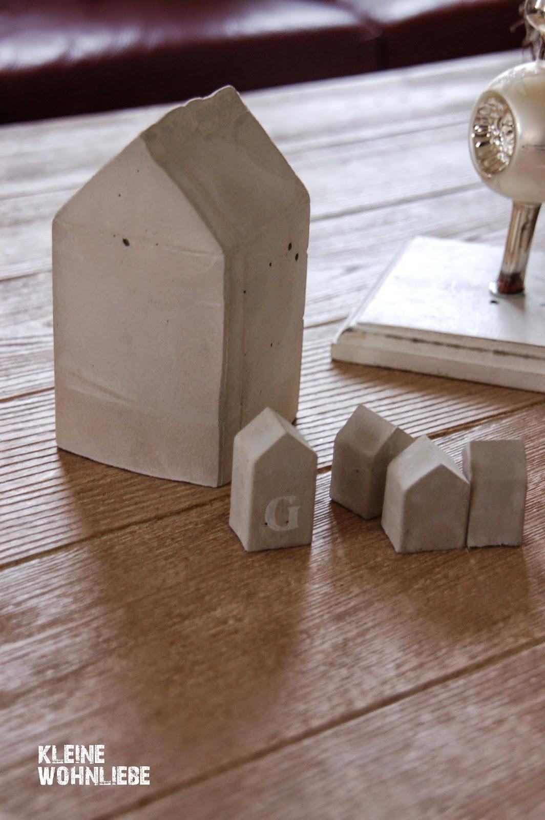 kleine wohnliebe diy weihnachtsh uschen aus beton. Black Bedroom Furniture Sets. Home Design Ideas