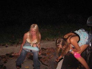 Ella estaba muy borracha y mira lo que su amigo le