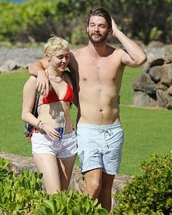 Kontroversi Bogel Tak Gugat Cinta, Patrick & Miley Cyrus Cuti Di Hawaii, info, terkini, hiburan, sensasi, gossip, miley cyrus, Patrick