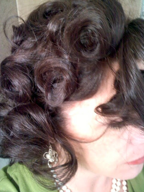 Pin curled waves