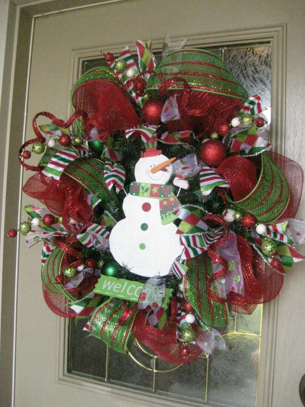 Kristen 39 s creations christmas mesh wreath tutorial for How to make christmas door wreaths