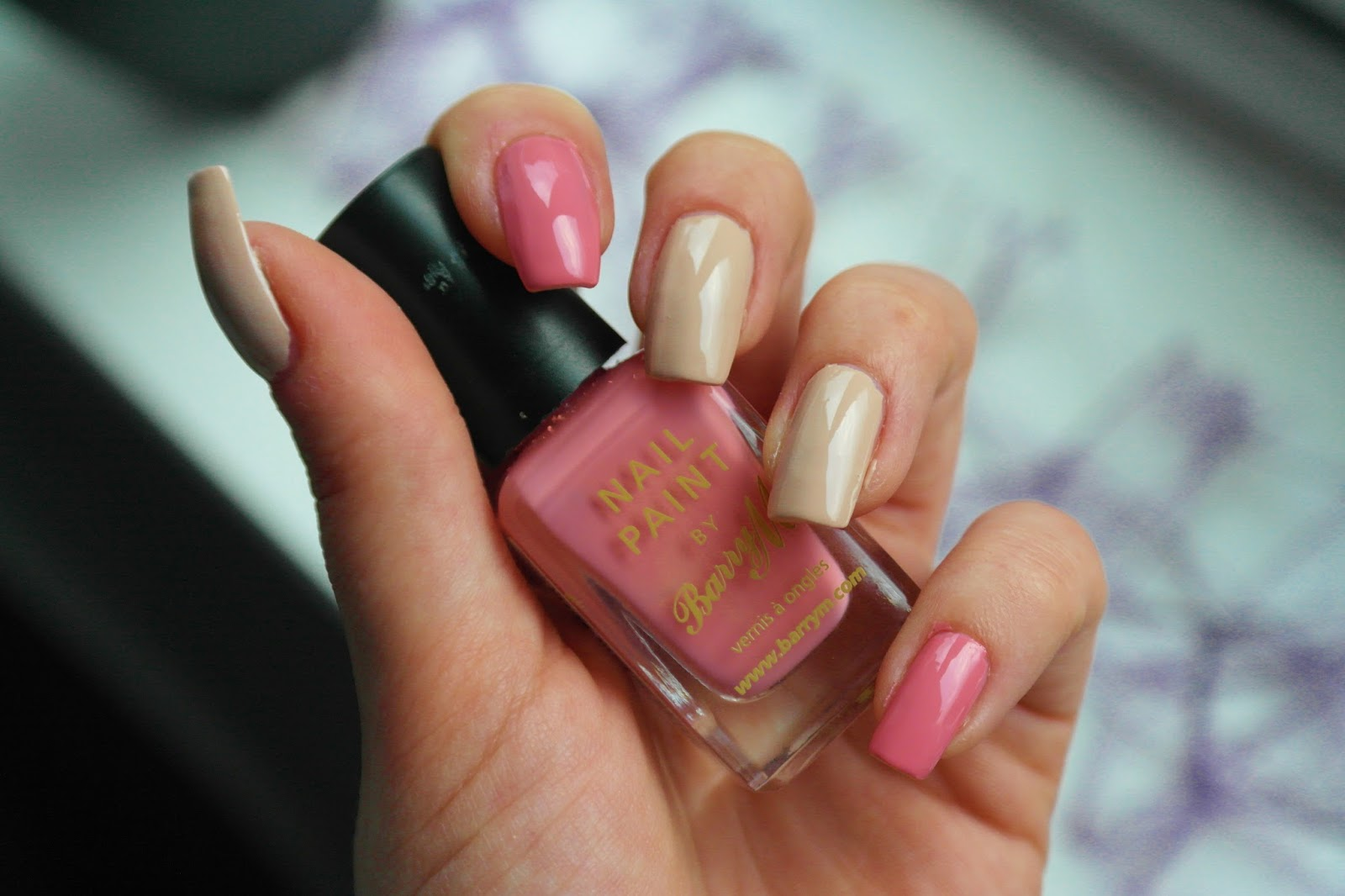 peach and nude nails