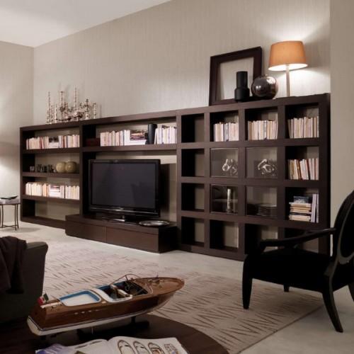 C mo organizar una biblioteca en el living room sala de for Organizar salon
