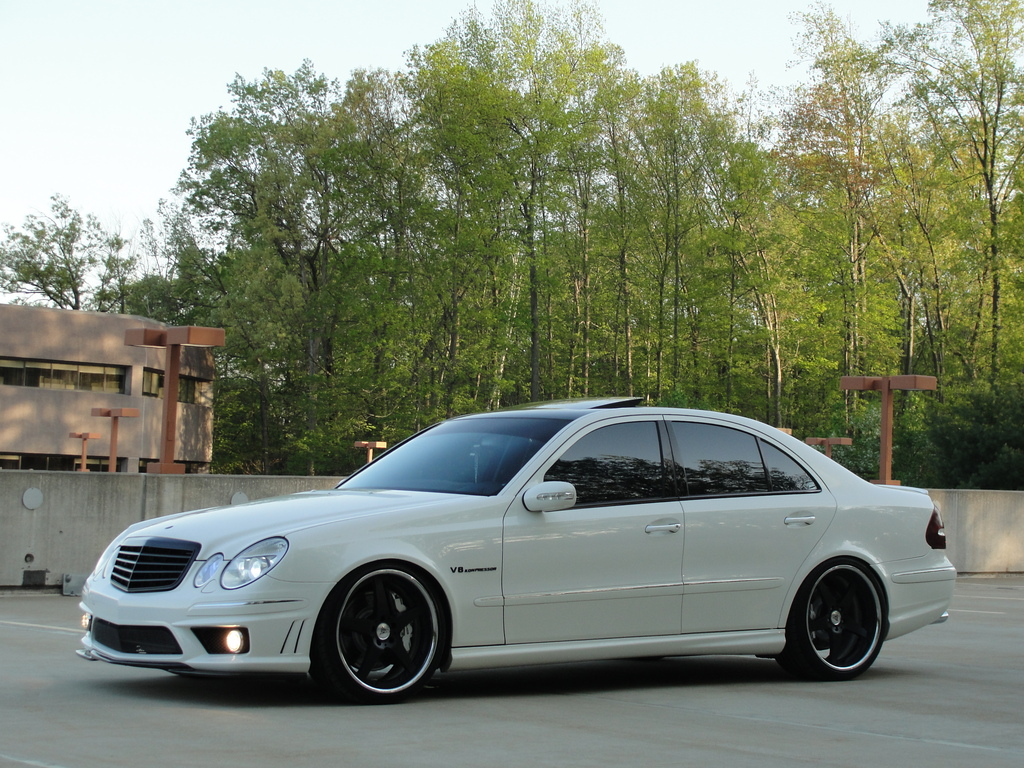 White on black mercedes benz w211 e55 amg benztuning for Mercedes benz e 55 amg