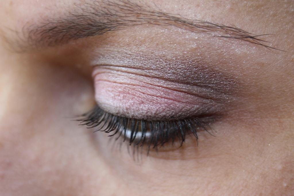 Daily fashion wishes doll eyes di lancome ombre absolue for Sei bella e non per quel filo di trucco
