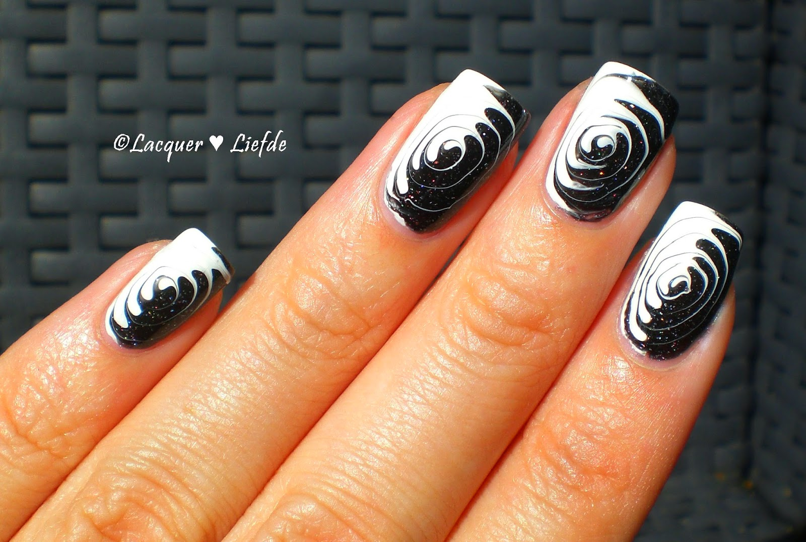 Drag Marble Swirl