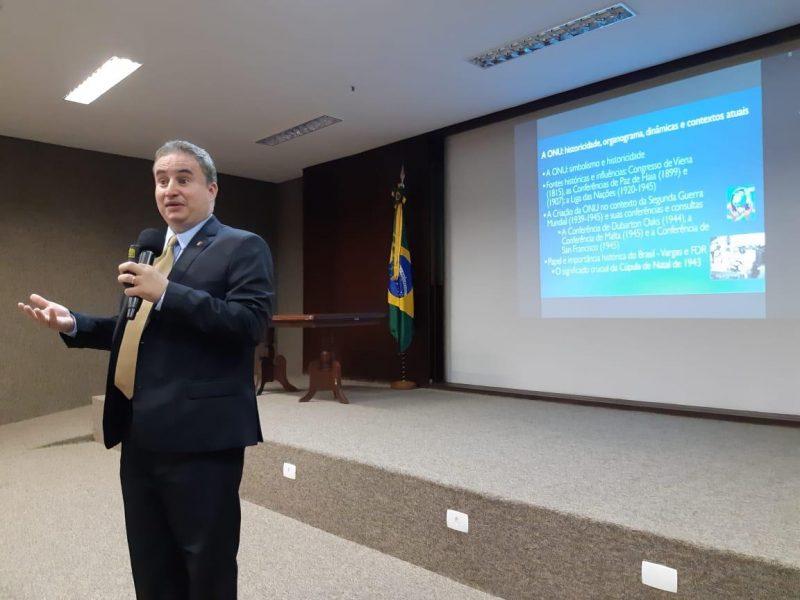 Bolsonaro ganha musculatura política e amplia chance de reeleição em 2022
