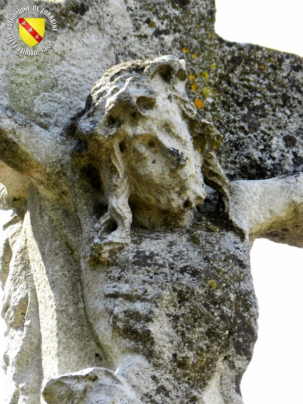 REMOVILLE (88) - Croix-calvaire (XVIe siècle)