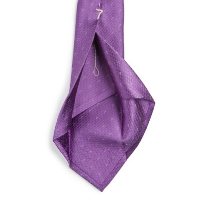 Sette ties: true seven folds