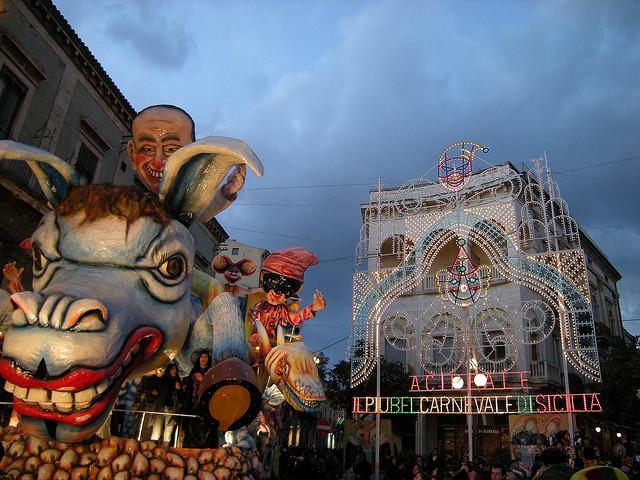 Carnevale Acireale Sicilia
