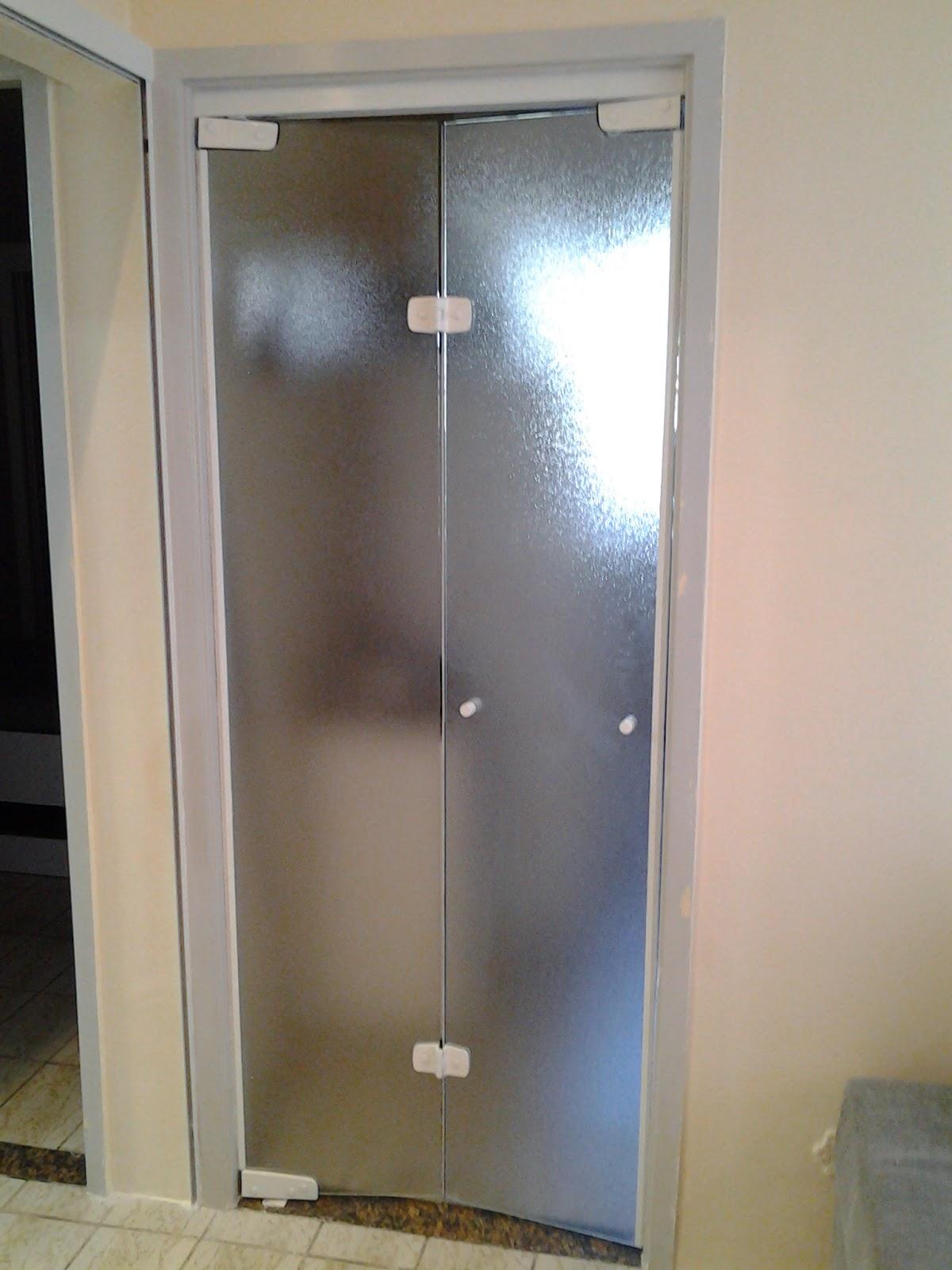 #476384 Essa porta é de vidro temperado com acessórios de vidro temperado 1942 Janela De Aluminio Tipo Camarão