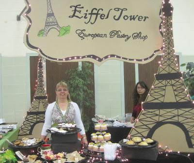 Make a European-Themed Booth