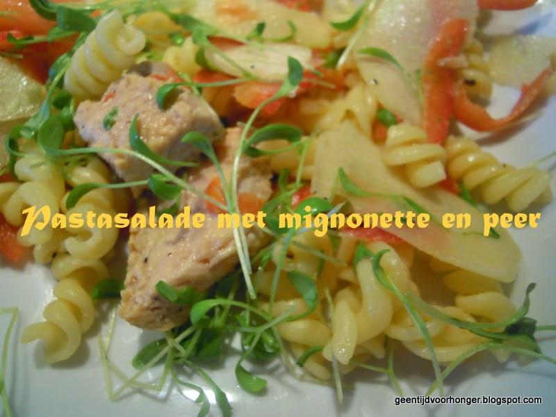 Een gezond ww-recept voor een pastasalade met peer en mager varkensvlees