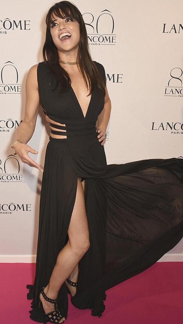 Michelle Rodriguez nos deja ver su calzón