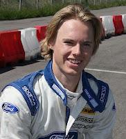 Formula Renault Driver loses steering