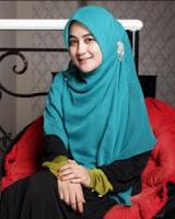 Model Hijab Terbaru Ala Umi Pipik