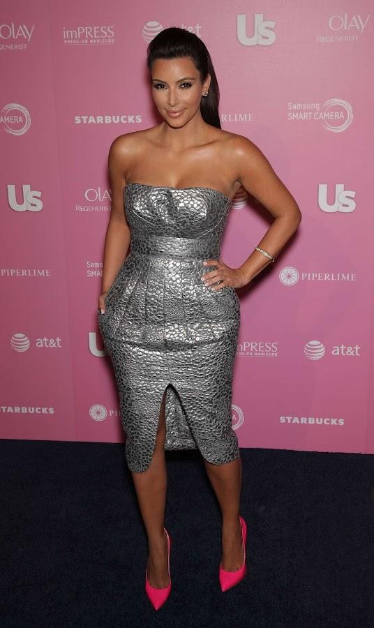 Kim Kardashian  in pink pumps at Us Weekly Hot Hollywood Style Party 2012, photo