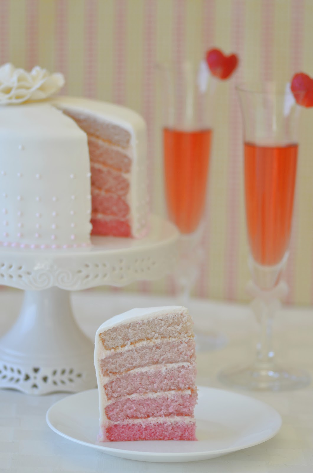 Strawberry And Champagne Cake Recipe Uk