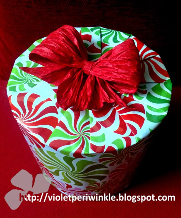 circular box gift wrapping