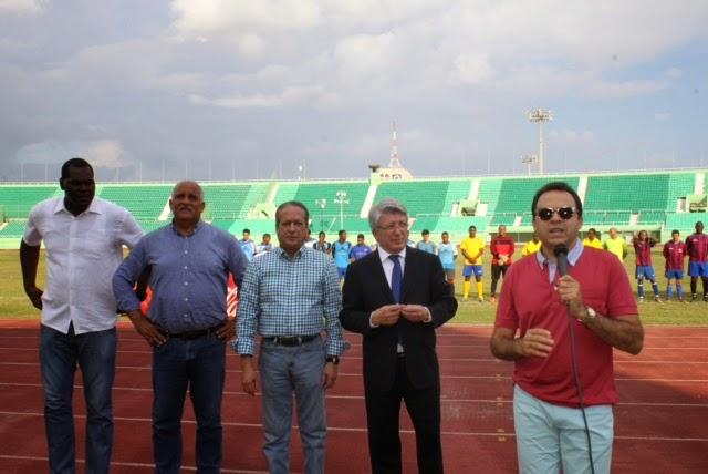 Bauger y O&M triunfan en torneo fútbol primera división DN