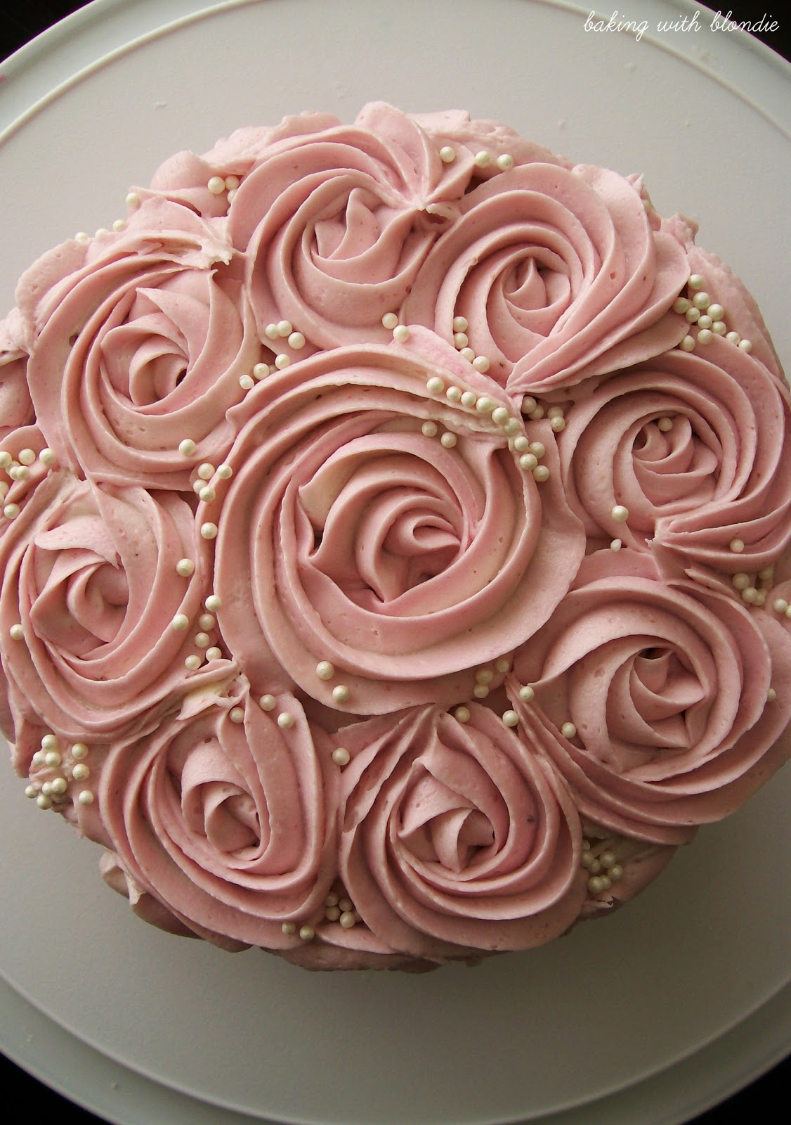 Rose Cake Design Icing : White Chocolate Raspberry Buttercream Frosting Recipe ...