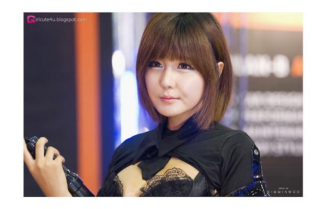 1 Ryu Ji Hye - Seoul Auto Salon 2012 [Part 2]-Very cute asian girl - girlcute4u.blogspot.com