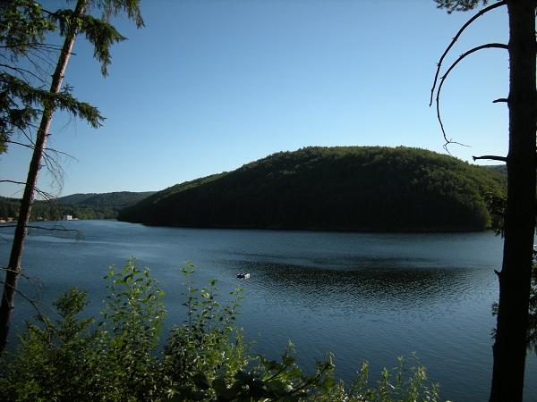 Semenik (1449 m) - jezero Gozna - planinarenje
