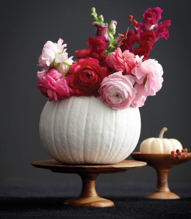 5 Chic, Beautiful Ways to Decorate Your Pumpkins