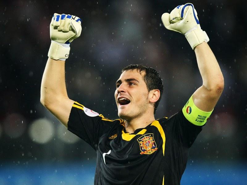 Iker Casillas should be dropped