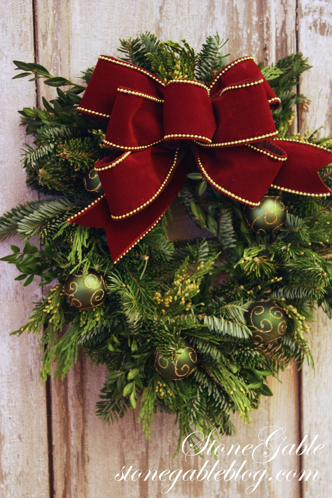 the easiest way to make a live wreath stonegable - How To Make A Christmas Wreath