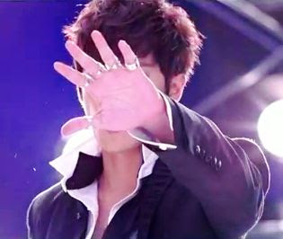 Kim Kyu Jong Yesterday rings