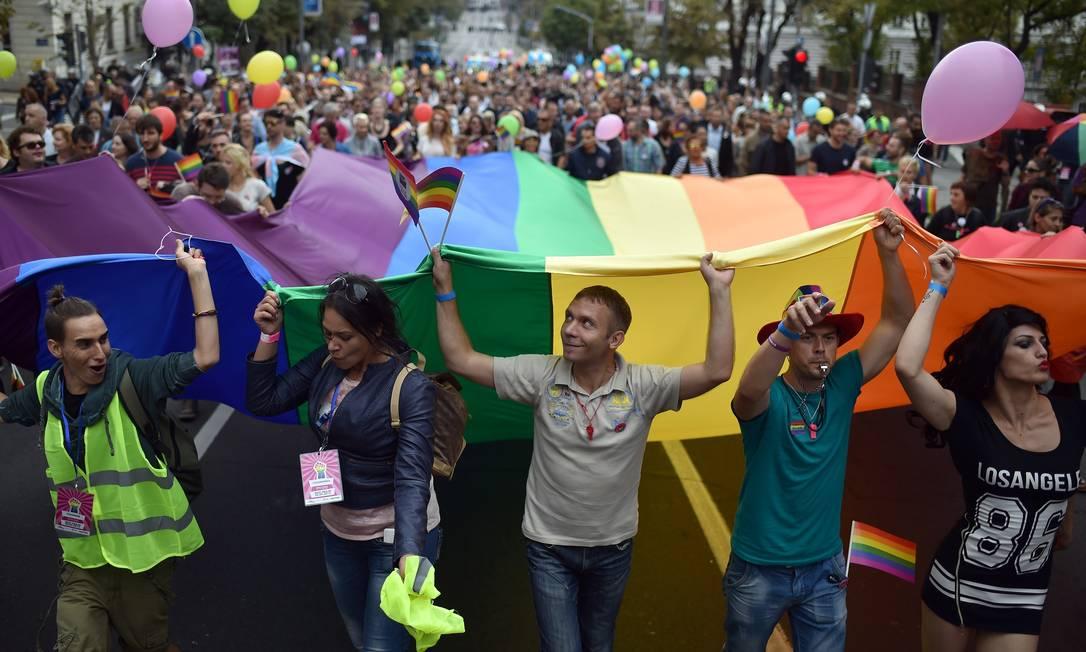 A Parada do Orgulho LGBT de Belgrado