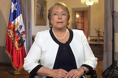 Michelle Bachelet se mantiene al margen