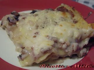 lasagne con radicchio rosso, asiago e salsiccia/ lasanas con alcachofa roja, queso asiago y chorizo