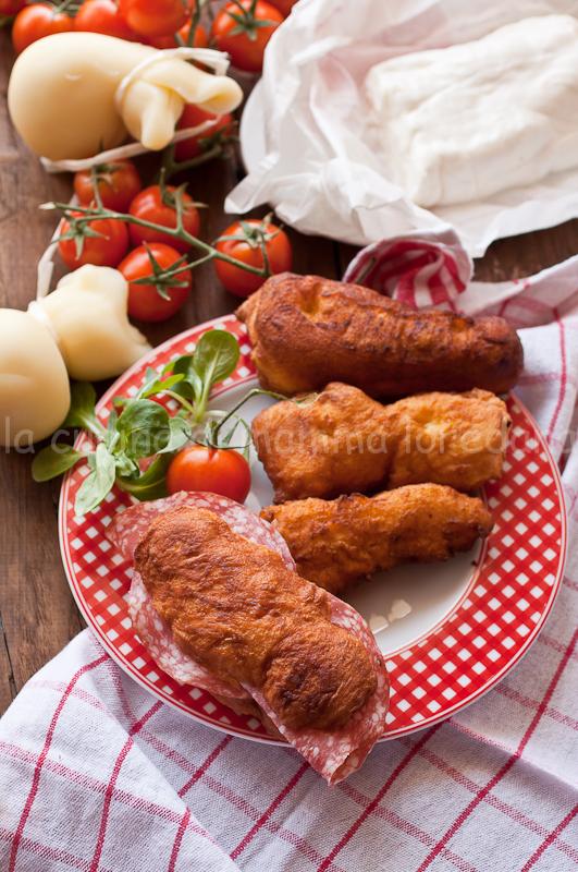 le facenne, pizze fritte salate con lievito madre molisane per l'italia nel piatto