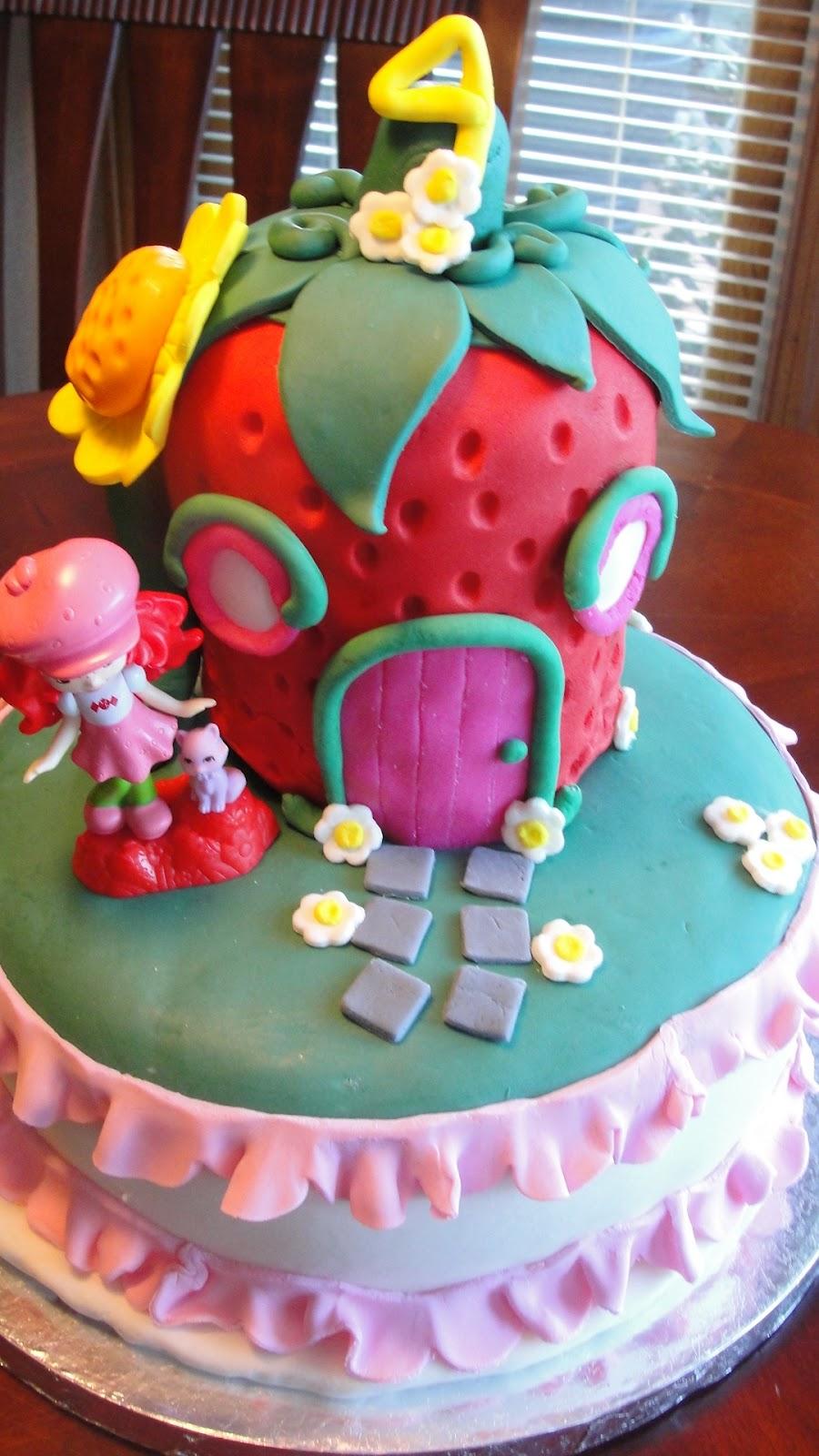 Kt Kakes Strawberry Shortcake Fourth Birthday Cake And Hay Stack