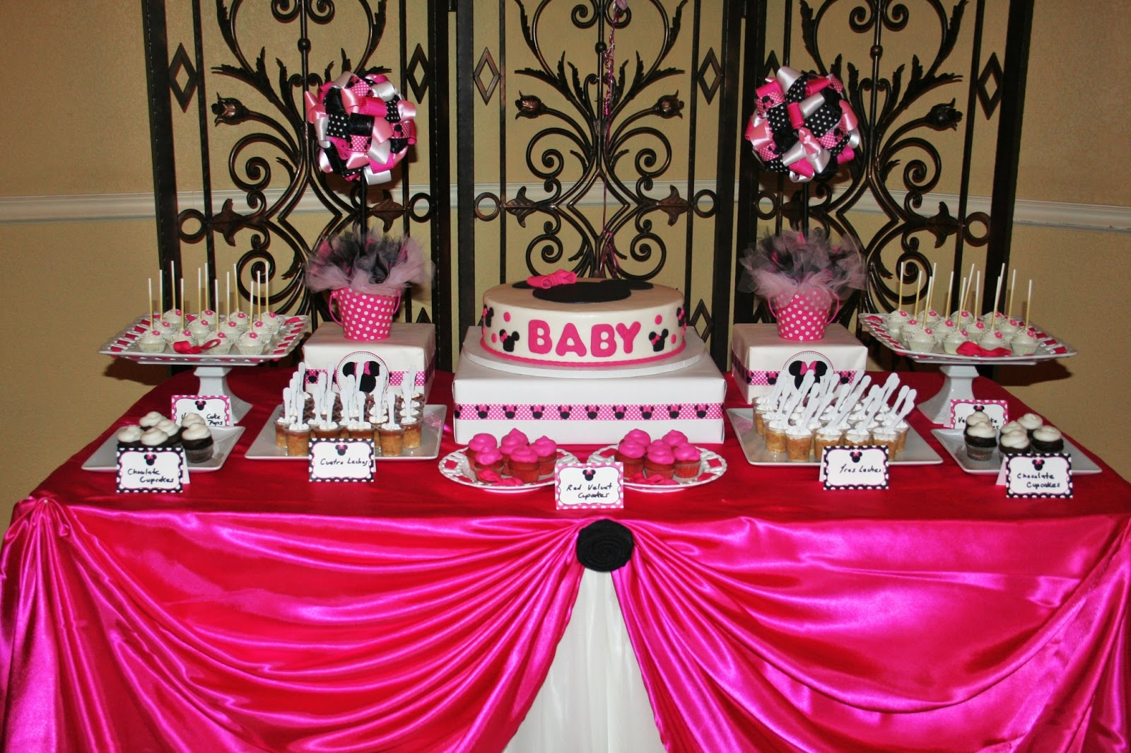 Sweet treats carousel beautiful minnie mouse baby shower for Baby birthday ideas of decoration