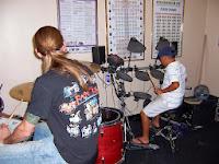 http://dumpermusik.blogspot.com/