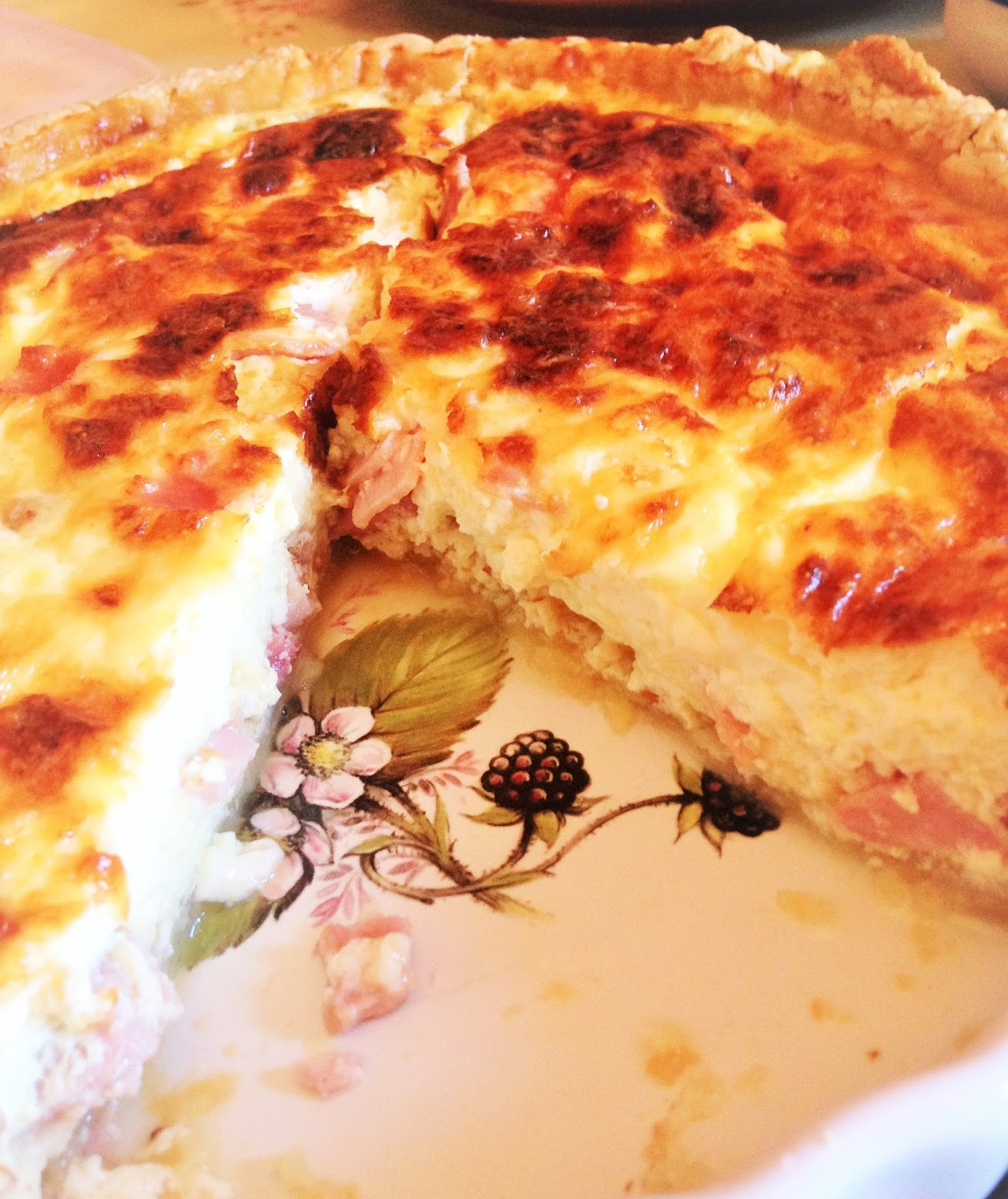 Bitches be blogging jamies quiche lorraine jamie olivers recipe for quiche lorraine tea dinner lunch or a good nibble for a party savoury tart forumfinder Image collections