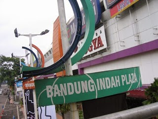 Daftar Alamat dan Nomor Telepon Mall di Kota Bandung