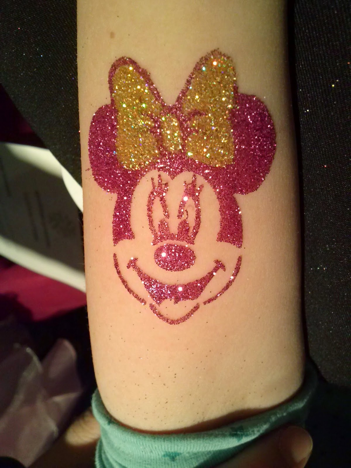 Minnie Mouse Glitter Tattoo