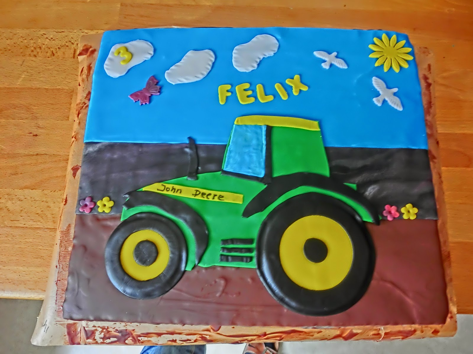 Rot Knappchen Backt 18 05 Traktor Torte Fur Felix 3