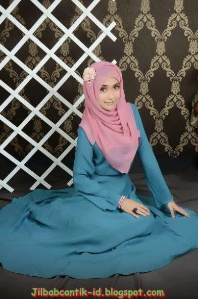 Doi pas lepas jilbab, cantik mana ya yg berjilbab atau pas lepas
