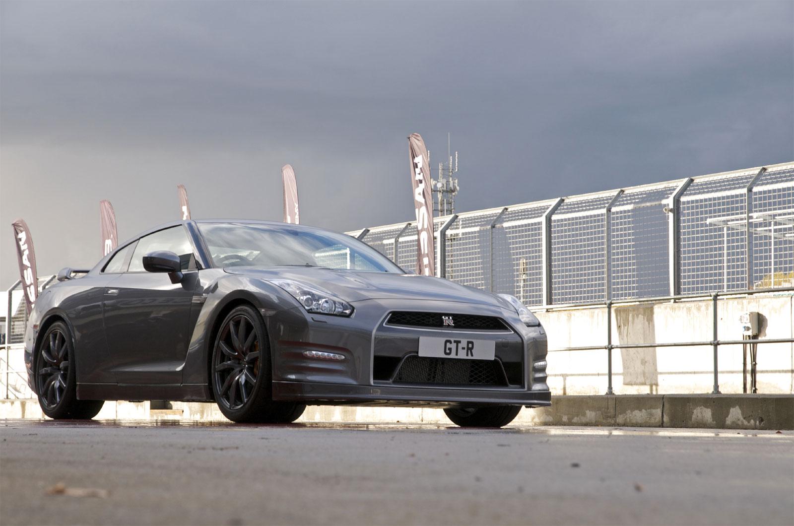 http://3.bp.blogspot.com/-ADI6PvkEZP8/T_h5Fbdmf8I/AAAAAAAAEQs/SUy2MtGOzmo/s1600/Nissan+GTR+Hd+Wallpapers+2013_1.jpg