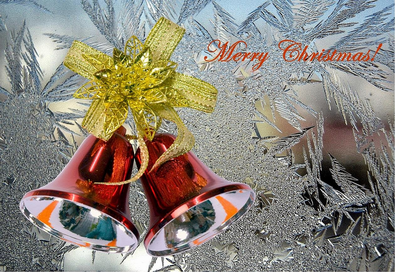 Red-Christmas-jingle- bells-decorating-ideas-with-silver-background-wallpaper.jpg