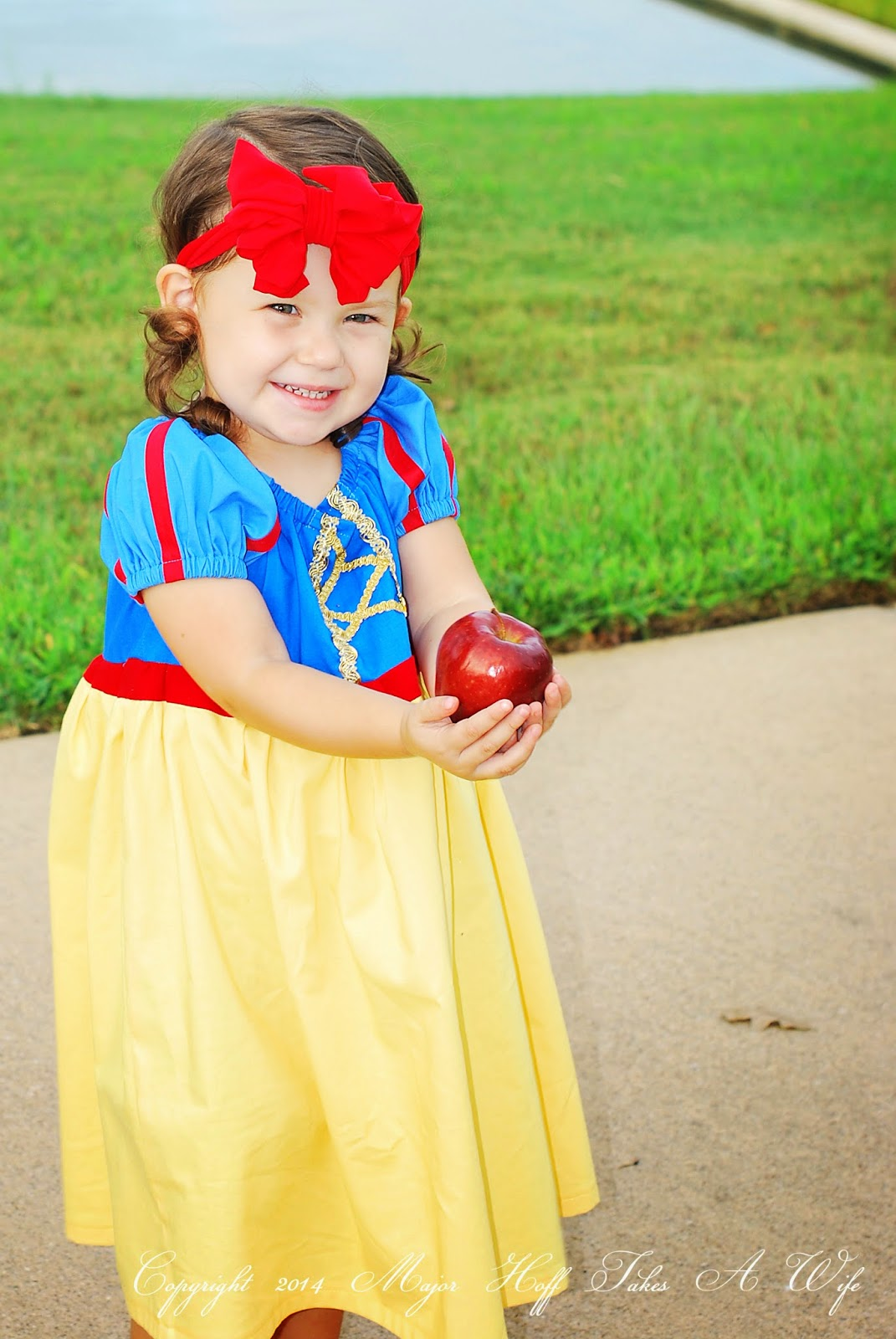 Modern snow white costume