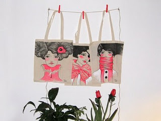 Otros diseños de MONIQUILLA bolsas estampadas con sus ilustraciones más  originales