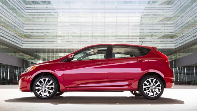 2016 Hyundai Accent red
