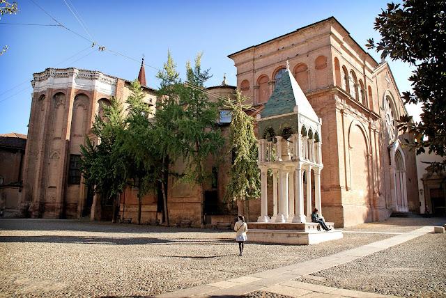 San-Domenico-iglesia-Bolonia-Italia