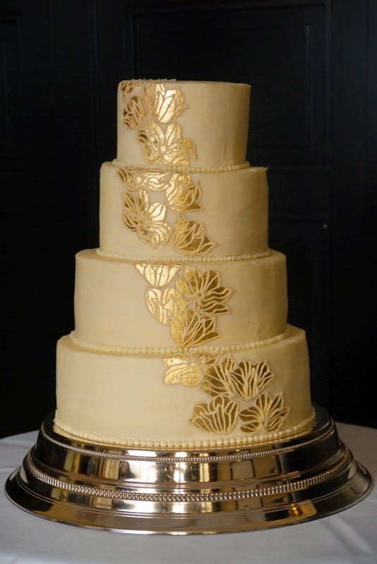 Cake Is Love... Abroad: Samantha and Bart\'s Wedding Cake
